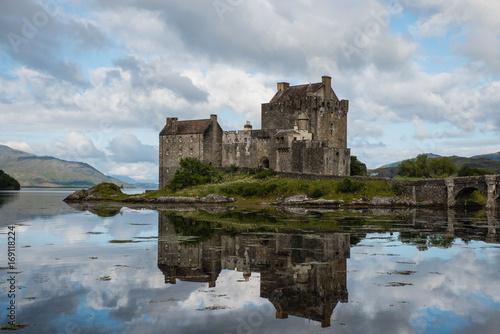 Foto op Plexiglas Kasteel Eilean Donan Castle (Scotland)