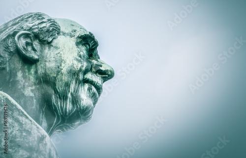 Photo  Niels Bohr sculpture