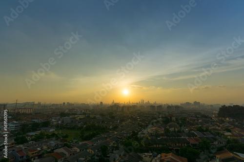 Photo  View of majestic sunset over downtown Kuala Lumpur, Malaysia