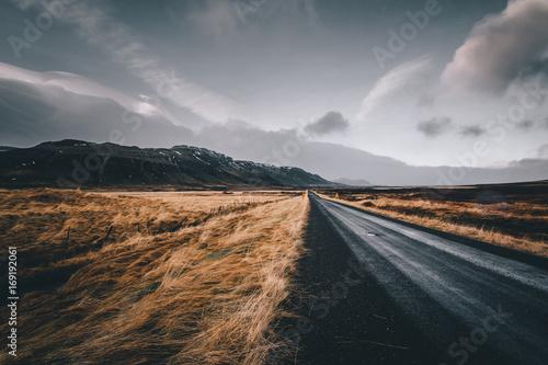 Fotografie, Obraz  Moody road