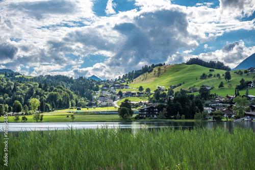 Foto op Plexiglas Panoramafoto s The mountain lake in Alps, Austria