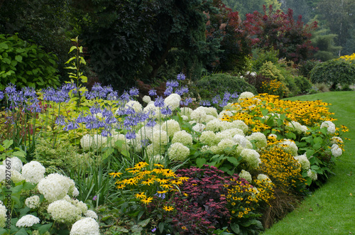 Poster Jardin Large English perennial border