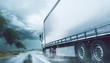 LKW fährt auf nasser Fahrbahn