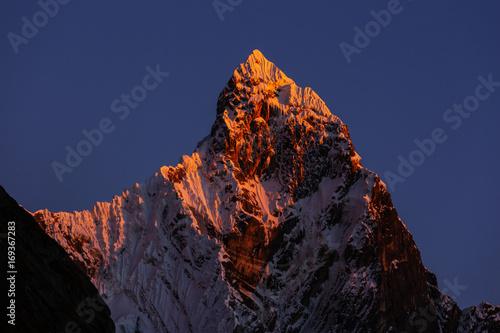 Spoed Foto op Canvas Violet Cordillera