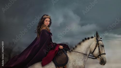Photographie  Medieval Queen portrait