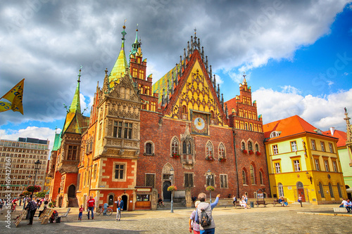 fototapeta na szkło WROCLAW, POLAND - AUGUST 23, 2017: Wroclaw Old Town. City with one of the most colorful market squares in Europe. Historical capital of Lower Silesia, Poland, Europe.