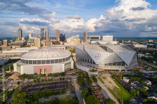 Poster de jardin Etats-Unis Mercedez Benz Stadium and Georgia Dome