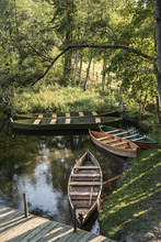 Punt Boats Resting On The Shor...