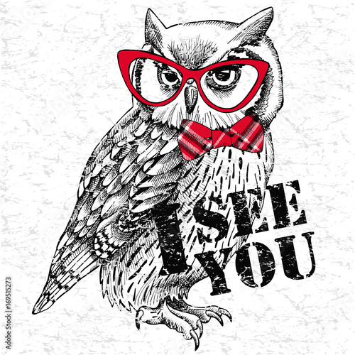 Poster Croquis dessinés à la main des animaux The image of an owl with bow and glasses. Vector illustration.