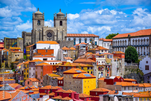 Fotografie, Obraz View over the old town of Porto, Portugal with the cathedral and colorful buildi