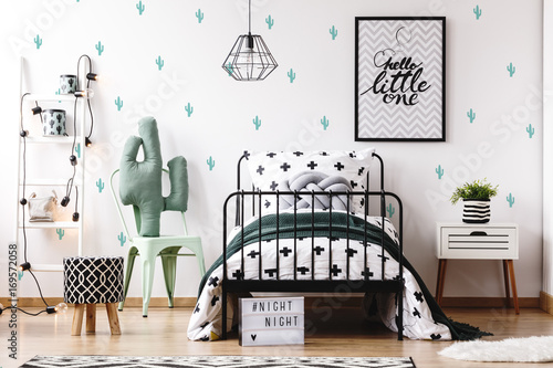 Fotografia  Kids bedroom with cute wallpaper