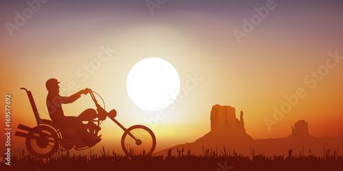 Photo  moto - motard - shopper - Route 66 - liberté - Monument Valley