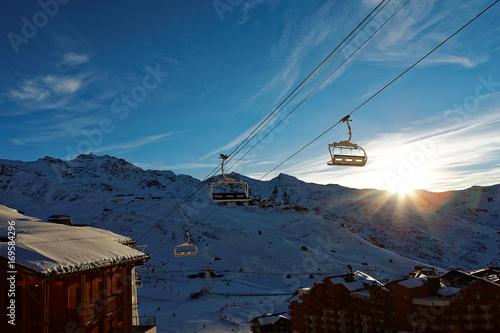 Fotografie, Obraz  Station de ski au soleil couchant