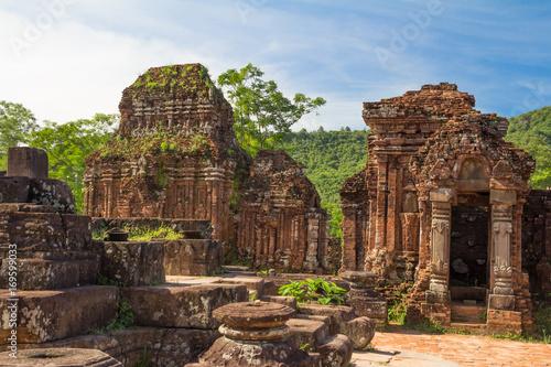 Papiers peints Con. ancienne ancient ruins in jungle