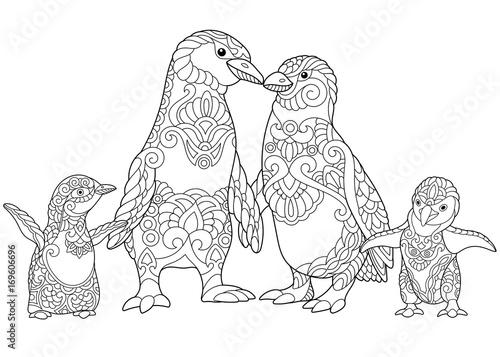 Fototapeta premium Kolorowanki z rodziny pingwinów cesarskich, na białym tle. Szkic odręczny, rysunek dla dorosłych kolorowanka antystresowy w stylu zentangle.