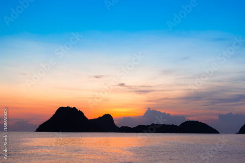 Foto op Aluminium Strand Bright colors at dawn on the beach at sunrise in the Gulf of Thailand.