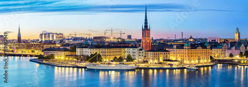 Papiers peints Stockholm Panoramic view on Stockholm skyline in Old Town (Gamla Stan) in the evening, Sweden