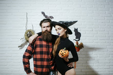 Halloween Couple In Love Huggi...