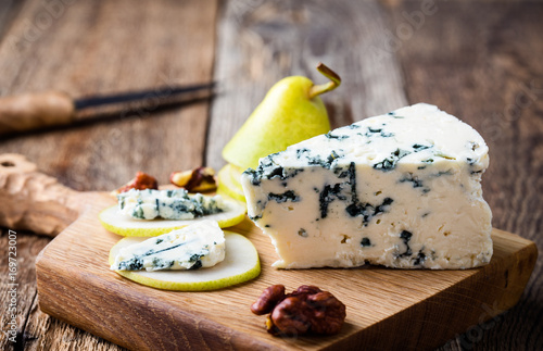 Blue cheese  with fresh pear