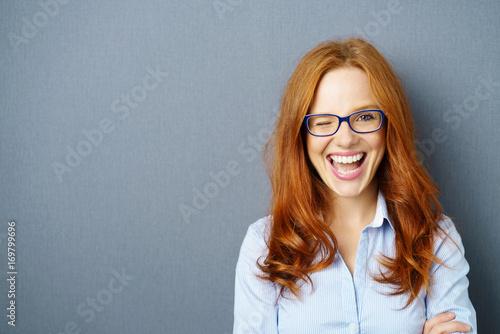 Photographie  Femme cligne de l'oeil