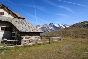 krajobraz w pobliżu schroniska Vittorio Sella - Park Narodowy Gran Paradiso