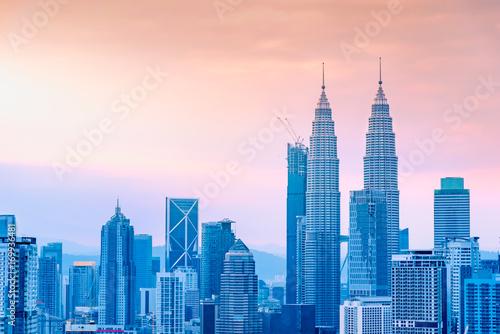 Photo  Landscape of Kuala Lumpur skyscraper with colorful sunrise sky, Malaysia