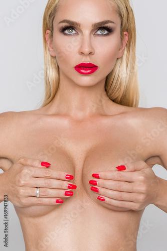 white girls nude pics