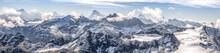 Large Panorama Sur Une Chaîne...