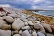 Paysages de la côte sur l'île Grande en Bretagne
