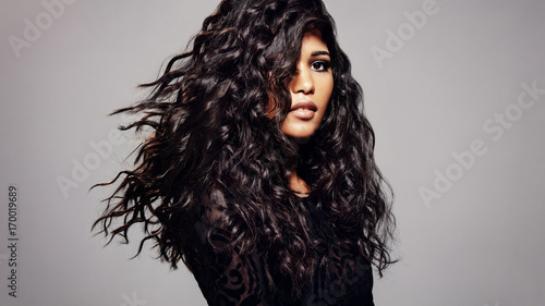 Tuinposter Kapsalon Fashion model with wavy hairstyle