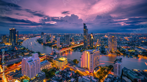 Stampa su Tela Bangkok - August 27 : view from the state tower 49 th floor in the twilight time on August 27, 2017