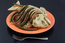 Halloween Dinner Dish Worms Cr...