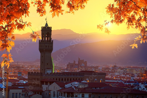 Photo sur Toile Aubergine Florence in autumn