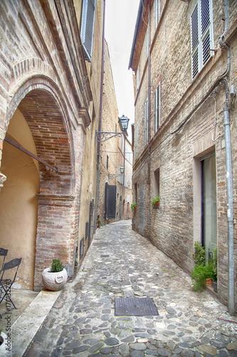 Plakat Vicolo stretto nelle Marche, Italia