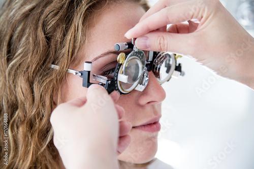 Badanie wzroku w oprawach próbnych. Canvas Print