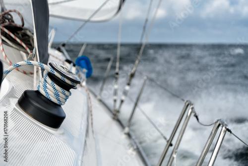 Cadres-photo bureau Voile Winsch auf einer Segelyacht