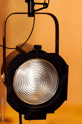 Fotografie, Obraz  Single Fresnel Theatre Light Hanging With Safety Cable