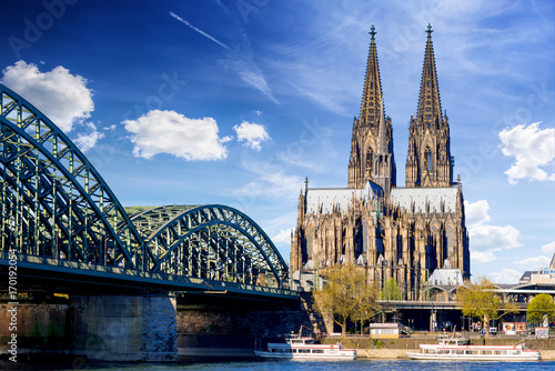 Photo Stands Historical buildings Cologne Cathedral
