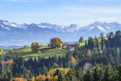 Foto op Aluminium Nachtblauw melancholische Herbststimmung in den Bergen