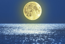 Moonrise Over Sea / Ocean.