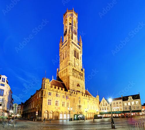 In de dag Brugge The Belfry Tower, aka Belfort, of Bruges, medieval bell tower in the historical centre of Bruges, Belgium.