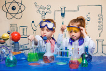 Small Children Do Chemical Exp...