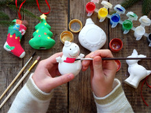 Painting Toys For Christmas De...