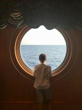 Silueta Niño En Crucero