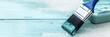 Leinwandbild Motiv Panorama, Pinsel auf Holz, Shabby chic Farben in Weiß und Blau, Textfreiraum