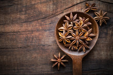 Star Anise In A Spoon On Dark ...