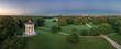 Schöner Sonnenaufgang im Englischen Garten von München als Aerial aus der Luft von oben