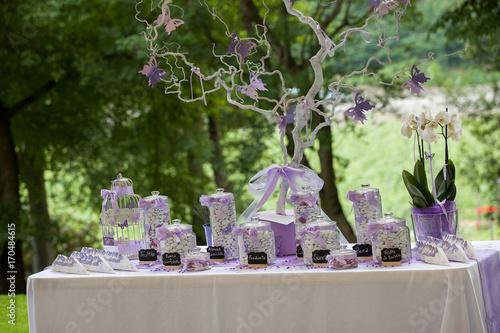Matrimonio In Lilla : Confettata lilla matrimonio buy this stock photo and explore