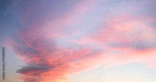 Photo  Beautiful pastel cloudy sunset