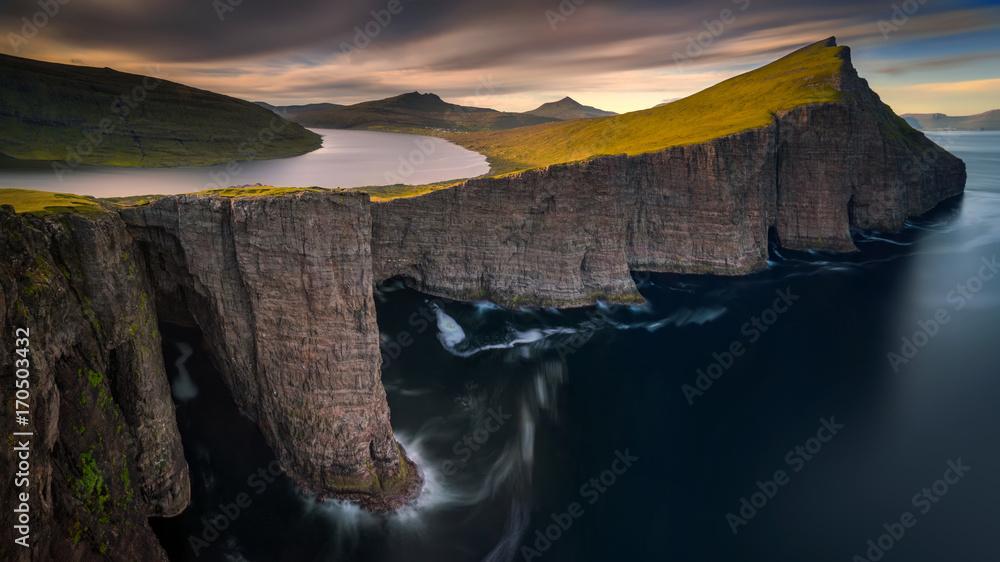 Fototapety, obrazy: Sorvagsvatn lake